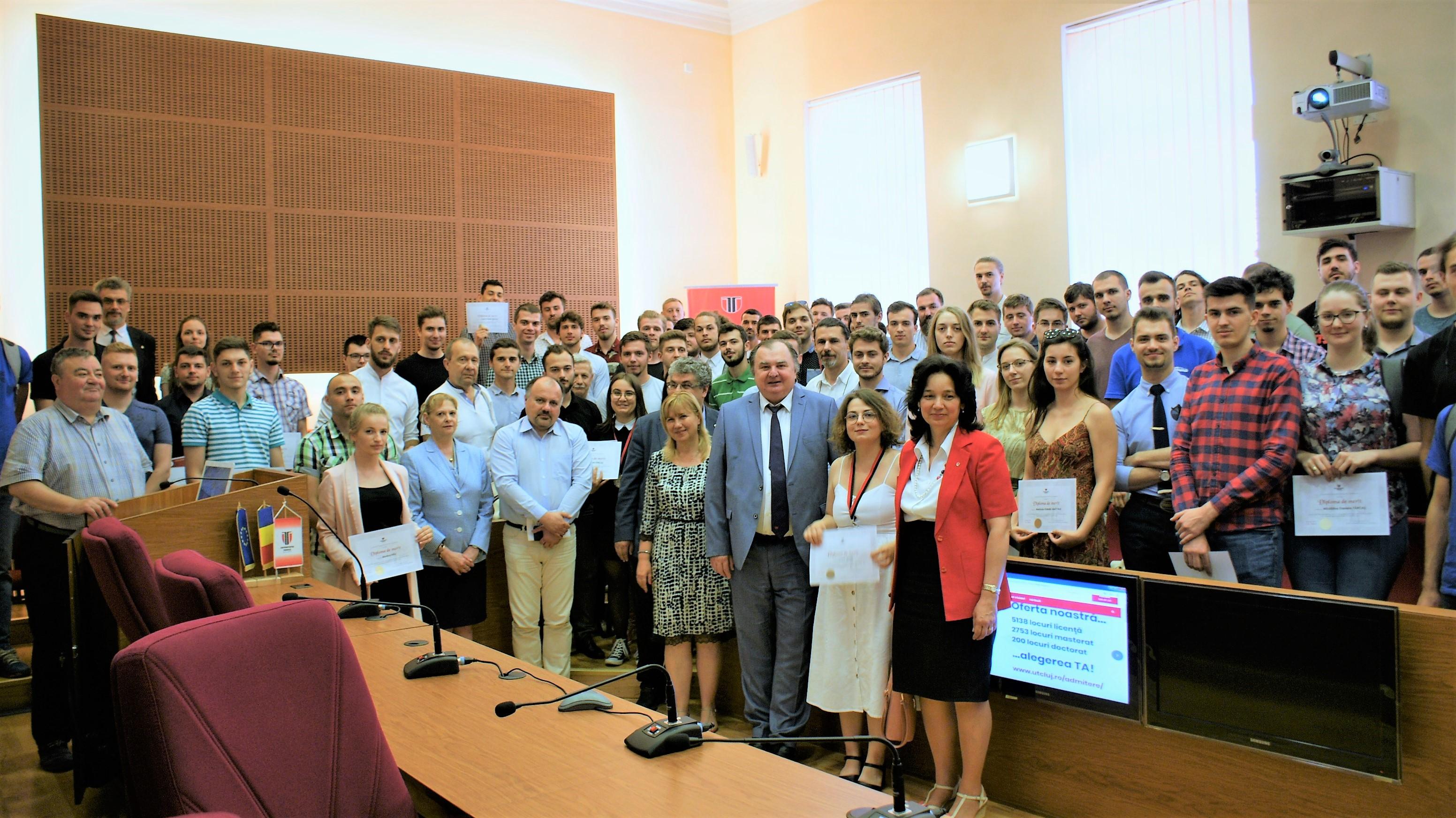 studenții cu rezultate deosebite la competițiile naționale și internaționale au fost premiați