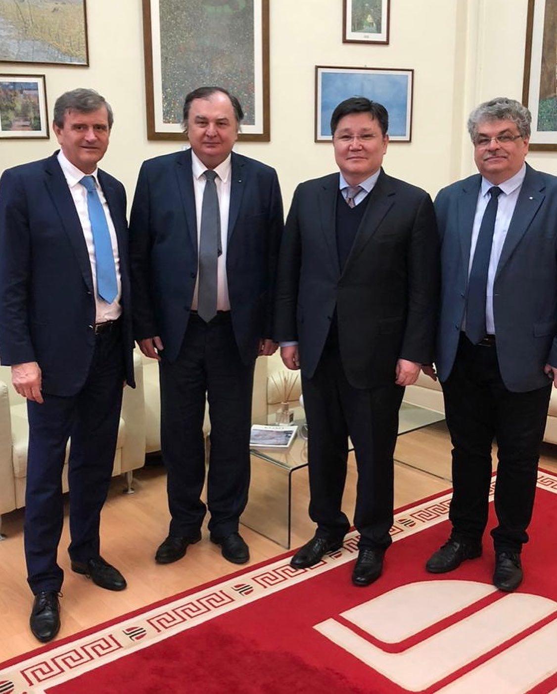 ambasadorul kazakhstanului  în vizită la universitatea tehnică
