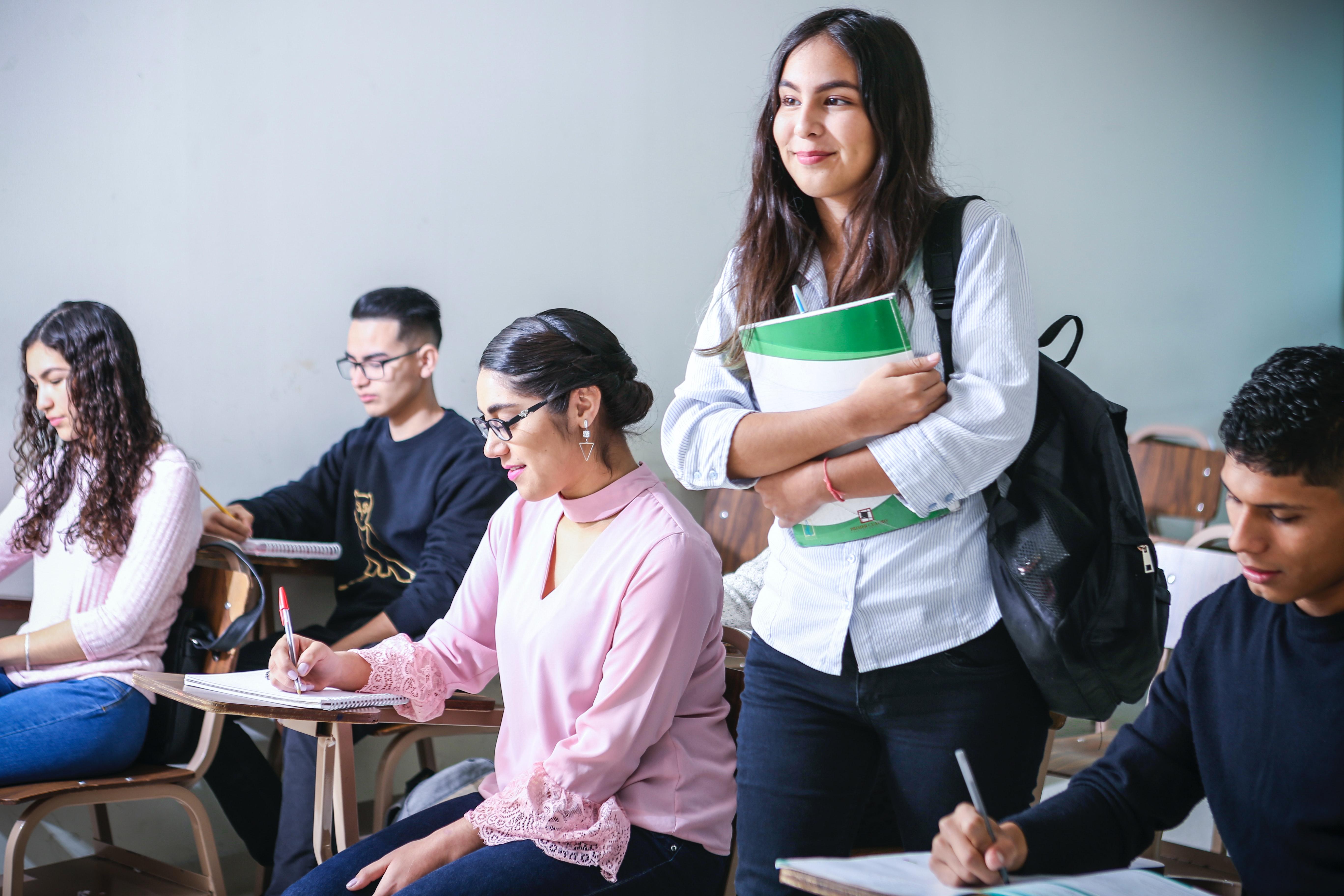 noul an universitar 2021 - 2022 va începe față în față
